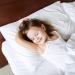 Kinder und Babys müssen sicher schlafen können